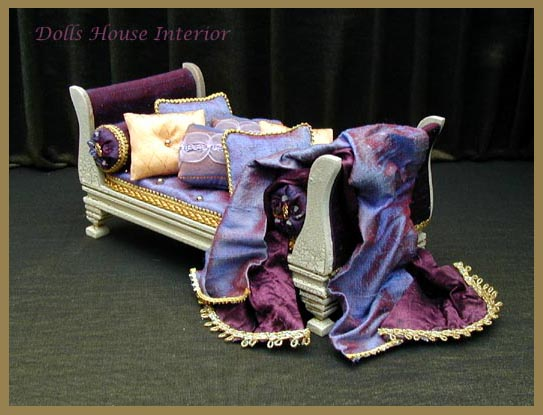 Sleigh Daybed